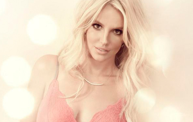 Britney Spears Flaunts Major Cleavage, Toned Tummy in New Lingerie Pic