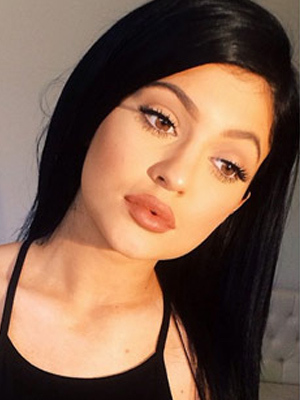 Kylie Jenner Gets Extensions, Looks Amazing