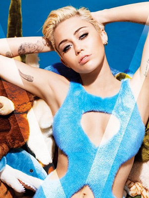 Miley Cyrus Goes Completely Naked For V Magazine