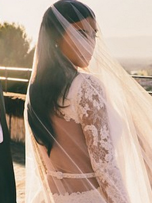 Kim Kardashian Shares New Wedding Photo With Kanye West