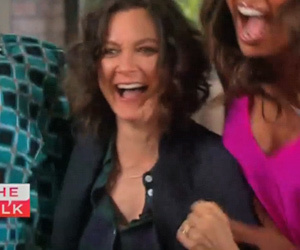 """Sara Gilbert Announces Pregnancy on """"The Talk"""" -- See Cohost Freakout!"""