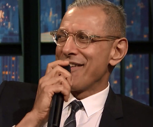 "Jeff Goldblum Sings Fan-Written Lyrics For ""Jurassic Park"" on ""Late Night"""