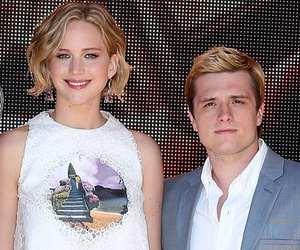 "Josh Hutcherson Says Jennifer Lawrence's Nude Photo Scandal is ""F**kin'…"