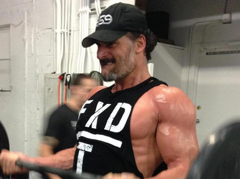 "Joe Manganiello Has His ""Magic Mike"" Bod Back -- See His Sexy Gym Pic!"