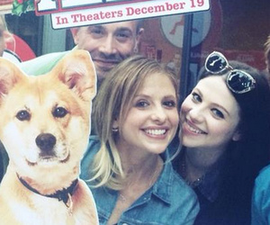 "Sarah Michelle Gellar Reunites With ""Buffy"" Costars at Secret ""Annie"" Screening"