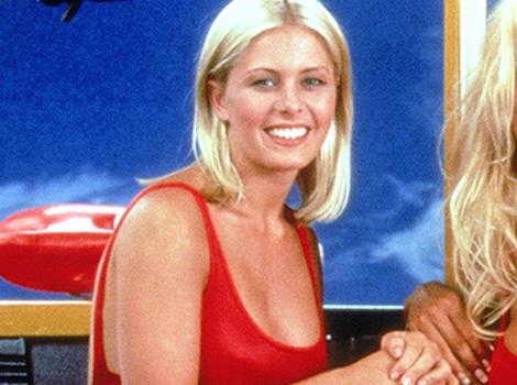 """Nip-Slips, """"Catty"""" Women & Weight Clauses -- Nicole Eggert Remembers """"Baywatch"""" Days"""