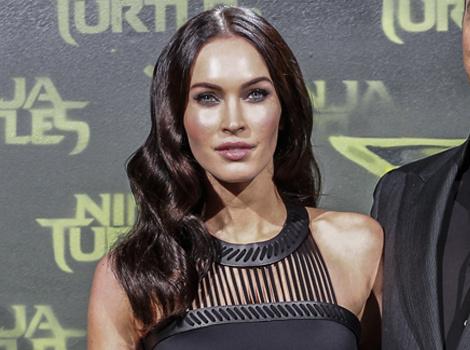 """Megan Fox Sizzles at """"Ninja Turtles"""" Premiere with Brian Austin Green"""