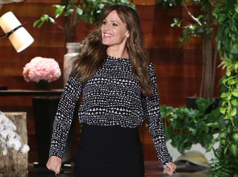 "Jennifer Garner Talks Ben Affleck's Penis, Reveals Truth About Her ""Baby Bump"""
