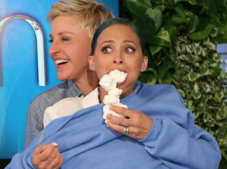 Nicole Richie Has a Marshmallow Eating Contest With Ellen DeGeneres!