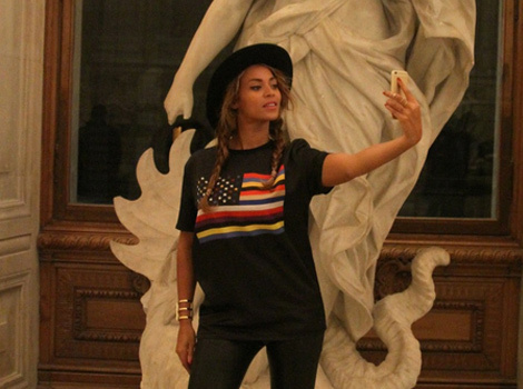 Blue Ivy Has a Marilyn Monroe Moment at the Louvre With Beyonce