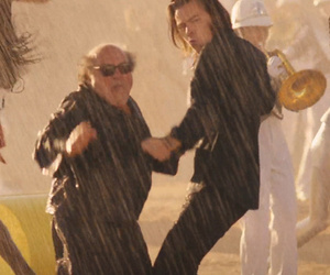 "Danny DeVito Steals the Show In One Direction's ""Steal My Girl"" Music Video"