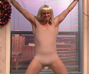 "Jim Carrey Has Epic Dance-Off to Sia's ""Chandelier"" on ""SNL"""