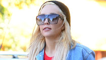 Amanda Bynes -- Come Work the Strip!! Gets Bartending Offer
