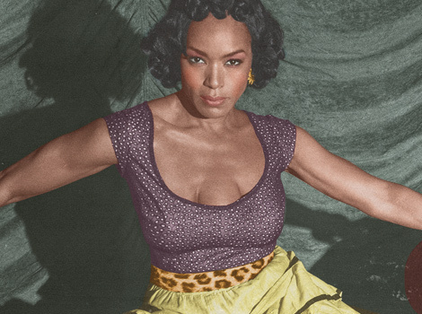 "Angela Bassett Talks Third Breast on ""American Horror Story"" -- And That Bloody…"