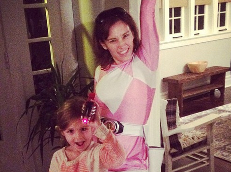 Amy Jo Johnson Gets Back Into Her Pink Power Ranger Costume