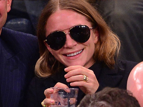 Mary Kate Olsen Rocks Two Rings On That Finger Shows Pda With Olivier Sarkozy