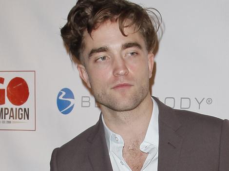 Robert Pattinson Shows Off Bizarre Buzzed New 'Do!