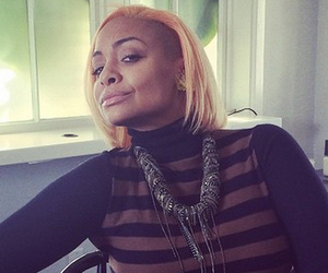 """Raven Symone Colors Her Hair """"Peach"""" -- Like The Look?!"""