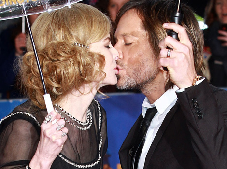 Nicole Kidman and Keith Urban Show Major PDA on the Red Carpet