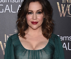 """Alyssa Milano Flaunts Major Cleavage In Witchy Ensemble at """"Into the Woods""""…"""