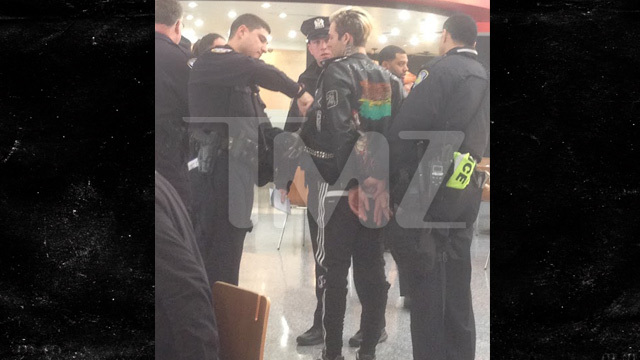 The Neighbourhood Lead Singer Jesse Rutherford Busted For Drugs Tmz Com