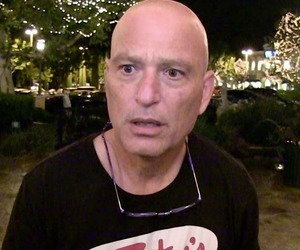Howie mandel news pictures and videos for Howie at home