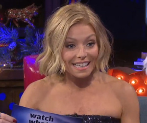 "Kelly Ripa Reveals How She Keeps It ""Spicy"" With Husband Mark Consuelos"