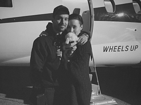 "Demi Lovato Posts ""Family"" Photo With Wilmer and Their New Puppy"