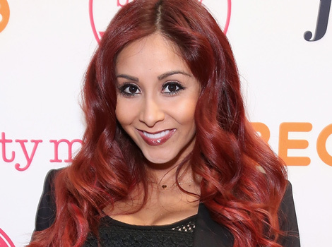Snooki Chops Off Her Hair, Goes Back To Black