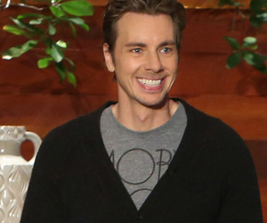 "Dax Shepard on Kristen Bell's Scary C-Section, Compares It to an ""Autopsy"""