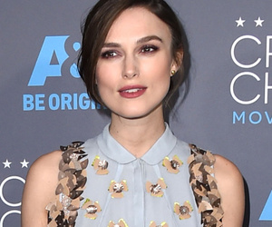 Keira Knightley Conceals Baby Bump In A Chic Flowy Dress At Critics' Choice…