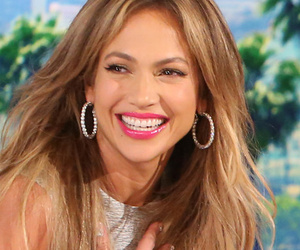 "Would Jennifer Lopez Date ""Boy Next Door"" Costar Ryan Guzman?! Let Her Explain…"