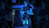 Justin Bieber -- Impromptu Acoustic Guitar Show ... Move Over, John Mayer! (VIDEO)