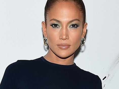 Dueling Designer Duds: Jennifer Lopez vs. Maggie Grace