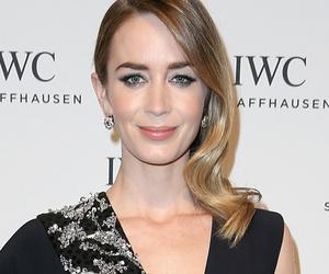 Emily, Sophia & More -- See This Week's Best Dressed Stars