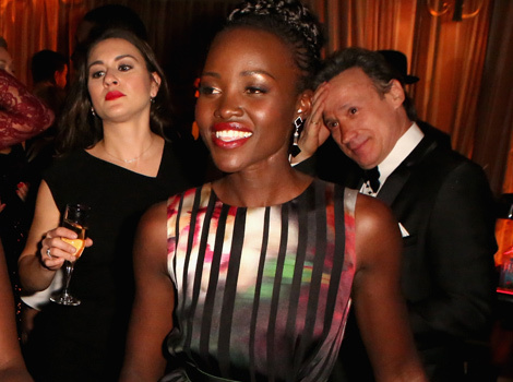 """Orange Is the New Black"" Stars Go Wild with Lupita Nyong'o at SAG Awards…"