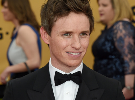 "Video: Eddie Redmayne Admits He ""Literally Stalked"" Jennifer Aniston"