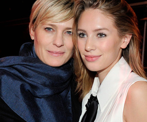 Robin Wright Poses With Gorgeous Lookalike Daughter Dylan Penn At Paris Fashion…