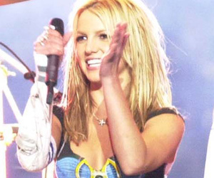 Britney Spears and Steven Tyler Reunite At Super Bowl 14 Years After Their…