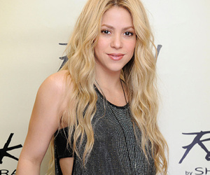 Shakira & Gerard Pique Share First Photo of Son Sasha -- See His Cute Face!