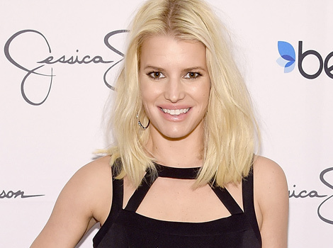 Jessica Simpson and Mini-Me Daughter Maxwell Cuddle Together -- See the Cute Pic!