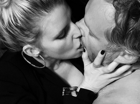 """Jessica Simpson Posts Incredibly Sexy """"Fifty Shades""""-Inspired Pics with Eric Johnson"""