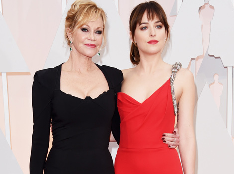 "Dakota Johnson and Melanie Griffith Argue About ""Fifty Shades"" at Oscars -- See Funny…"