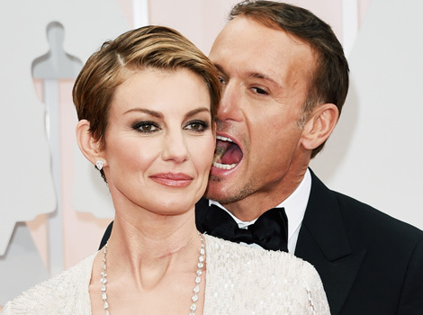Tim McGraw and Faith Hill Pack on the PDA at the Oscars!