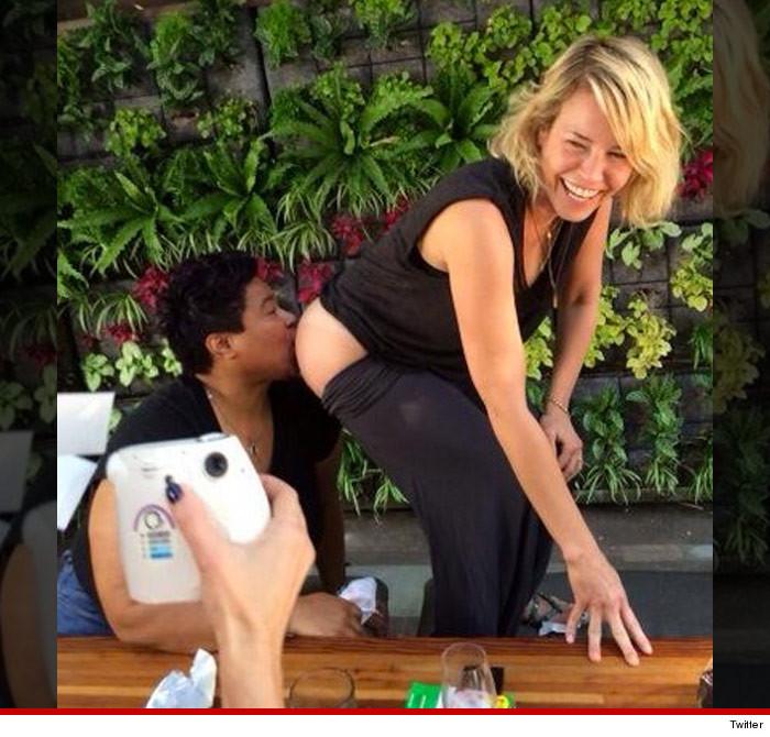 Chelsea Handler nackt, Oben ohne Bilder, Playboy Fotos