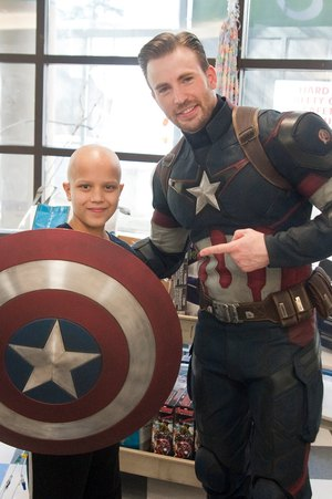 Chris Pratt and Chris Evans Visit Children's Hospital