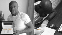 Floyd Mayweather -- Used $4,000 Gold Pen ... to Sign Pacquiao Contract
