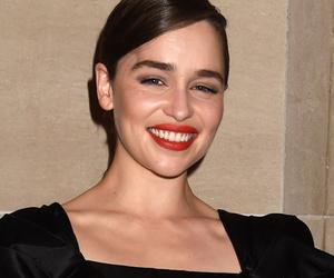 "Emilia Clarke, Sophie Turner & More Stun at ""Game of Thrones"" Premiere in…"