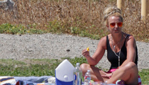 Britney Spears -- Gimme More ... Orange Slices (PHOTO)
