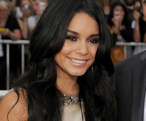 """Vanessa Hudgens Admits She Was """"Really Mean"""" While Dating Zac Efron"""